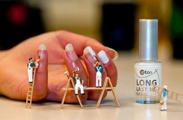painting nails funny photo