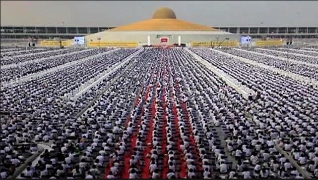 million children have day of meditation at Buddhist temple in Thailand truth cool photo